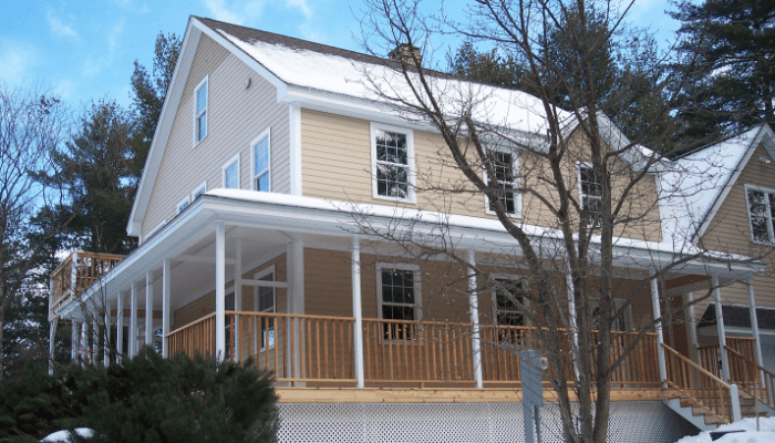 Large Family home located in Conway, NH along the Saco River